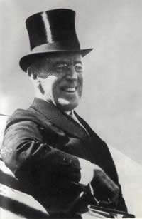 1918-1-18 Woodrow Wilson proposed a 14-point plan to resolve the post-war problems