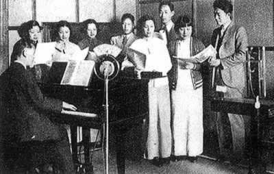1923-1-23 China's first private radio station begins broadcasting