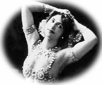 1917-10-15 Dutch double agent Mata Hari was the French army shot