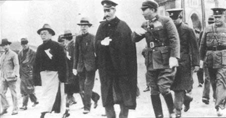 1936-10-22 Chiang Kai-shek in Xi'an instructed Zhang and Yang