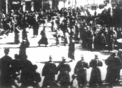 Shanghai workers hold a second armed uprising