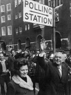 1974-3-4 Heath resignation of Harold Wilson once again become the British Prime Minister
