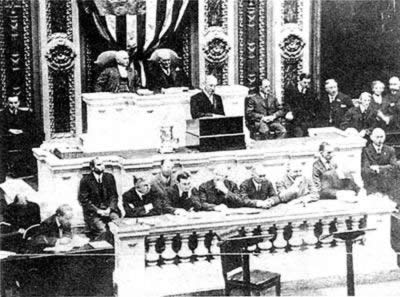 1913-4-8 U.S. President Woodrow Wilson issued his State of the Union address to be welcomed