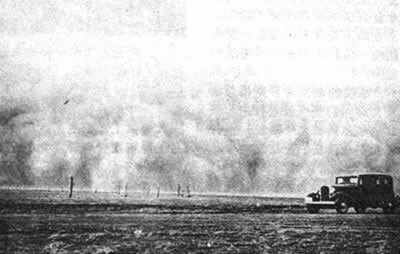 1935-4-11 The United States suffer from dust storms attacks