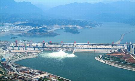 2006-5-20 Sandouping in Yichang, Hubei Province, China Three Gorges dam is built across the board