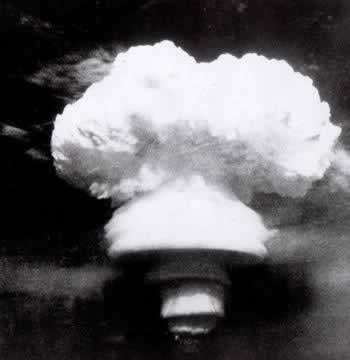 1967-6-17 China's first hydrogen bomb was detonated successfully