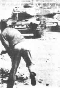 1953-6-21 Soviet Union deployed a large number of tanks to suppress riots in East Berlin