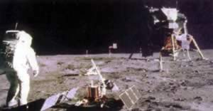 "1969-7-21 ""Apollo to the moon"