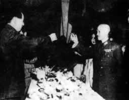 1945-9-4 KMT and the CPC held in Chongqing Negotiations