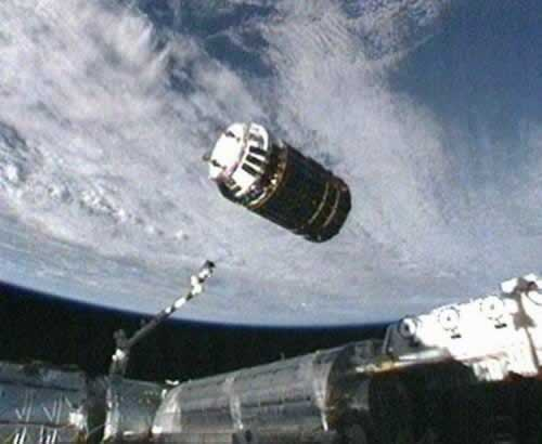 2011-9-17 Japanese space cargo ship docked with the International Space Station